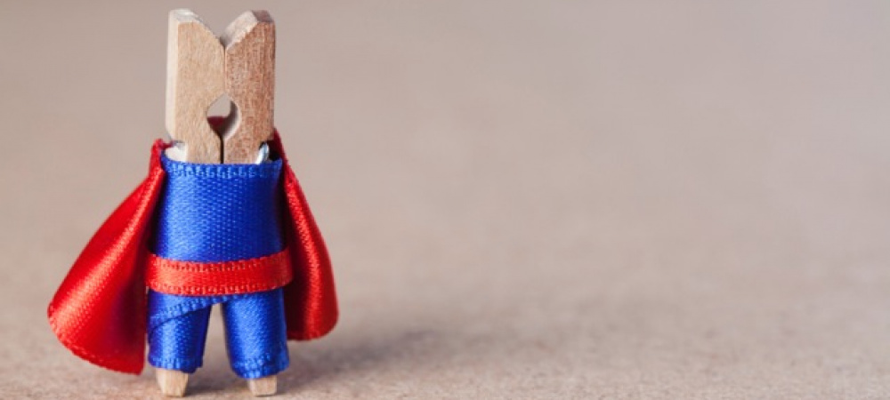 Wäscheklammer als Superheld