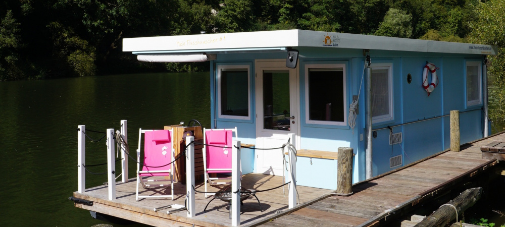 Hausboot Außenansicht Blau
