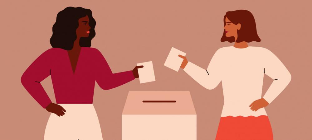 Zwei Frauen an der Wahlurne