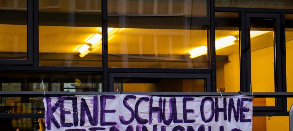 """""""Keine Schule ohne Feminismus"""" setzt sich gegen Sexismus an Schulen ein"""