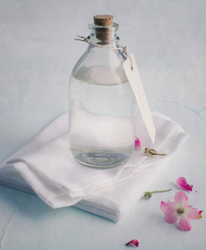 Rosengesichtswasser