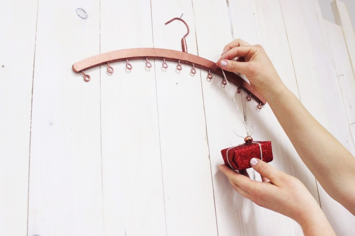 Kleiderbügel-Adventskalender von Makerist