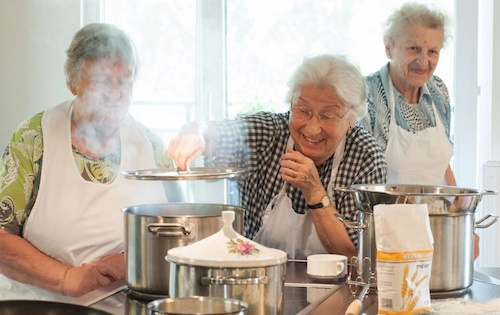 Senioren kochen