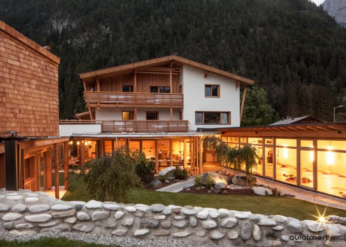Yoga in den Bergen: Aufatmen in Leutasch
