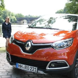 Jennifer Köllen mit dem neuen Renault Captur