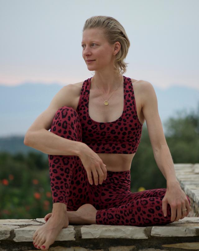 Yoga und meditieren mit SLOW - kostenlos und live Anna Rech