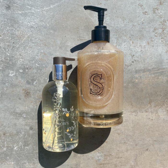 Handwash von Molton Brown, Exfoliating Handwash von Diptyque