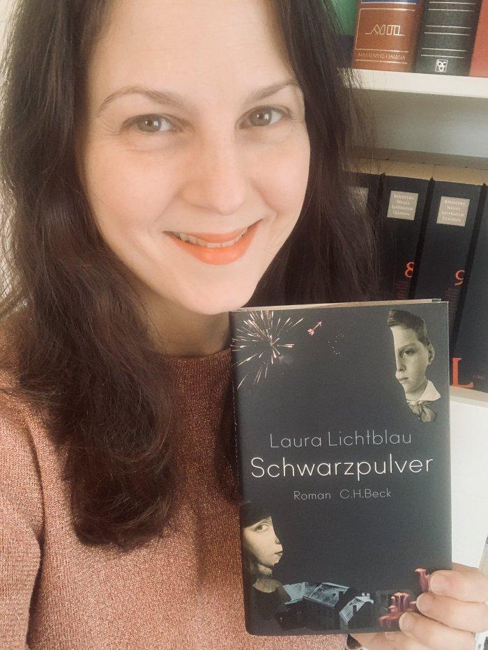 Schwarzpulver Laura Lichtblau