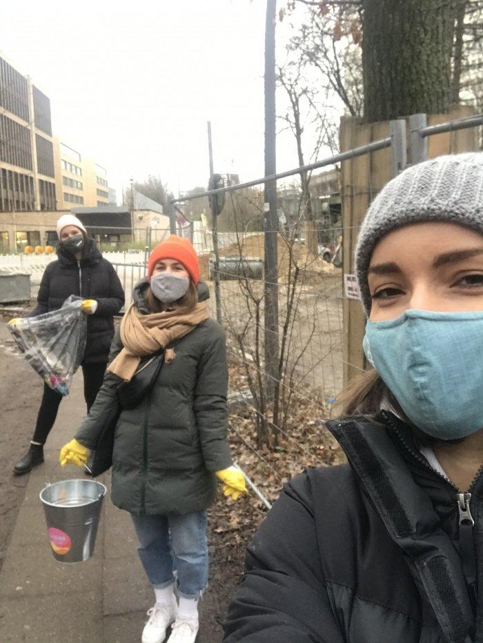 Oclean und Lea sammeln Müll