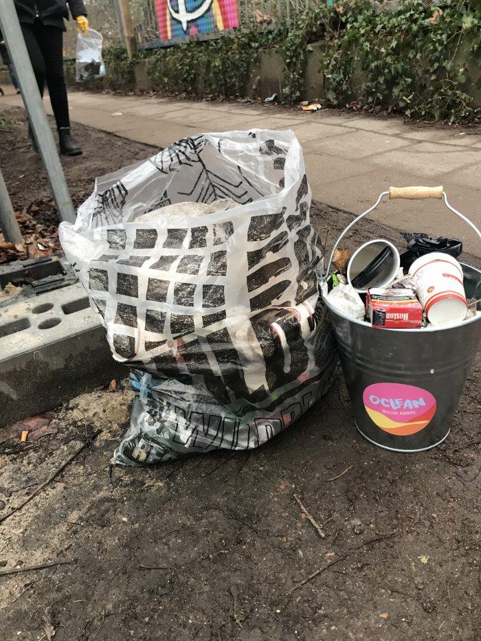 Müll in Hamburg-Bahrenfeld