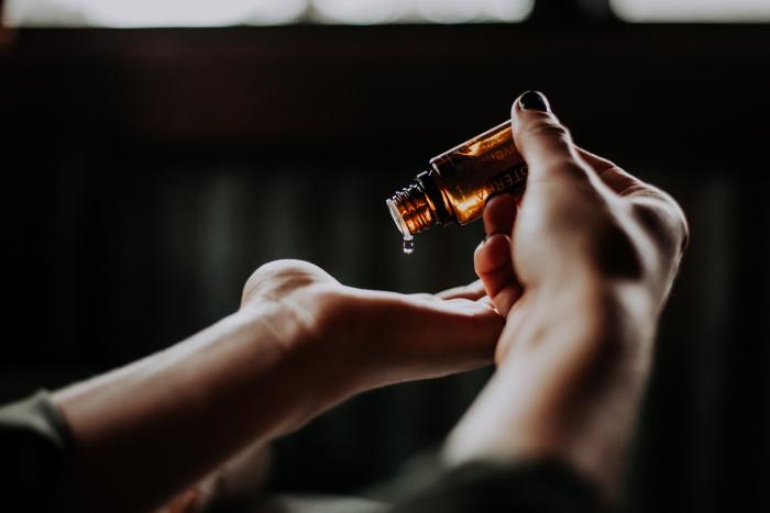 Massage zum Selbermachen mit Aromaöl