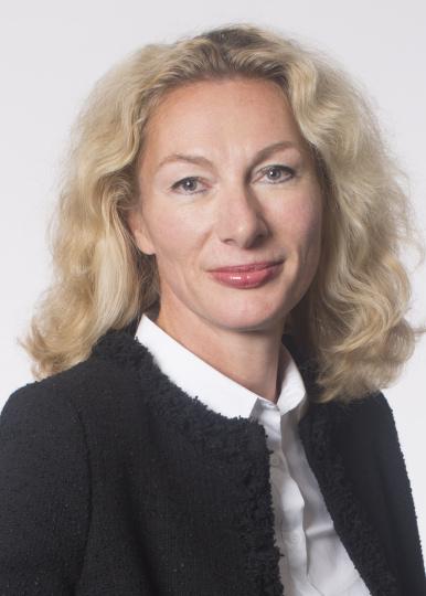 Romina Polley Frau in Führung