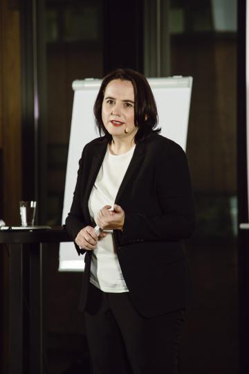 Dr. Petra Bock live