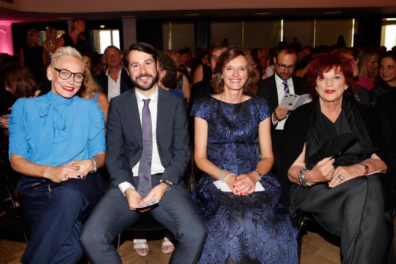 Bärbel Schäfer, Jonas Wolf, Dr. Katarzyna Mol-Wolf und Prof. Regina Ziegler
