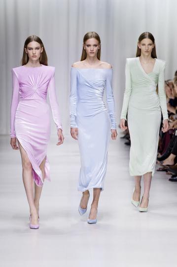 Kleider in Pastellfarben