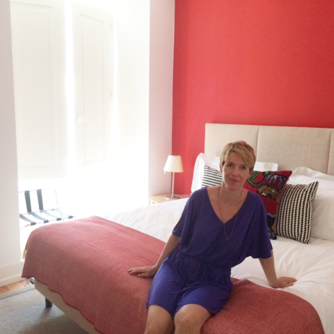 Andrea im Schlafzimmer