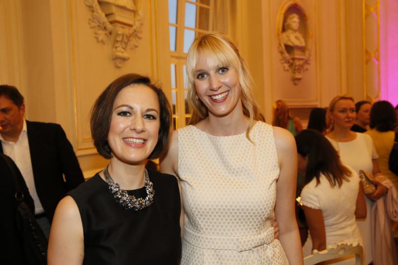 Ulrike Attenberger und Janina Hamader