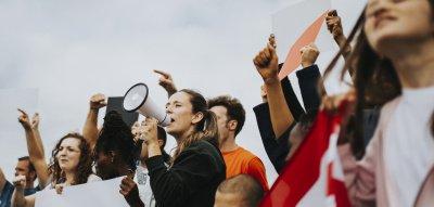 EMOTION-Umfrage 2020: Was Frauen fordern #jetzterstrecht