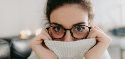 Müde Augen: Diese Übungen helfen gegen Erschöpfung im Büro