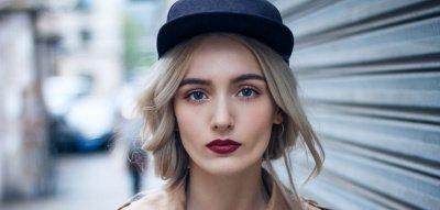 Beauty-Trends 2019 - Frau geschminkt