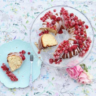 Kaffeetisch mit Kuchen