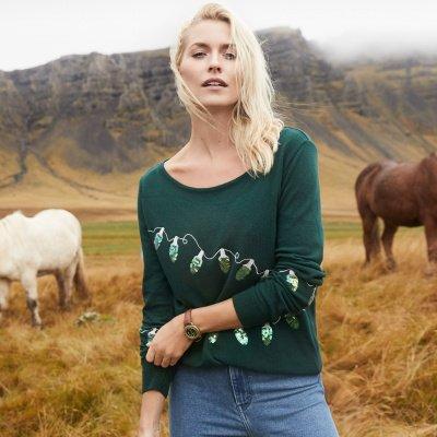 Lena Gercke im Christmas Sweater