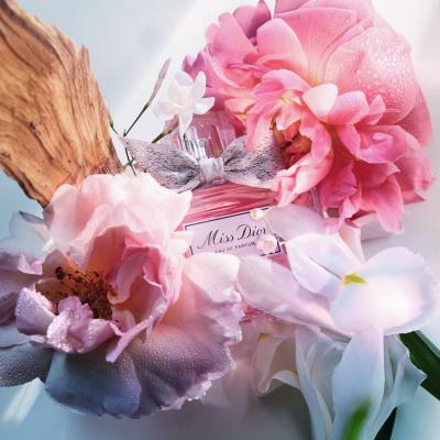 """Liebe auf den ersten Duft: Das neue """"Miss Dior""""-Parfum gibt uns das Gefühl von Schmetterlingen im Bauch"""
