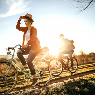 Raus in die Natur! Gewinne drei exklusiv von Ella Endlich designte Fahrräder von Columbus