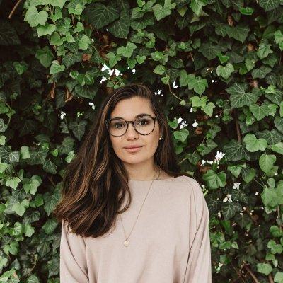 Madeleine Alizadeh dariadaria