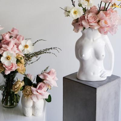 Nackte Kunst Vasen Frauenkörper