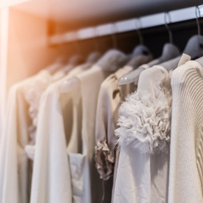 Perfekter Kleiderschrank: Ordnung schaffen