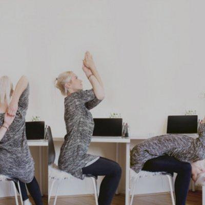 Yoga Übungen Büro